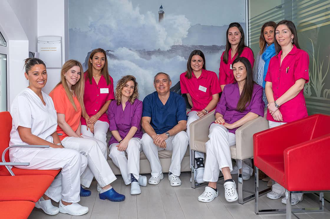 equipo de dentista y odontológos de la clínica budiño en Santander